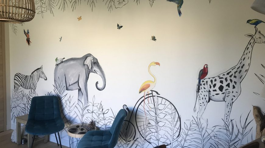 fresque mural animaux chambre